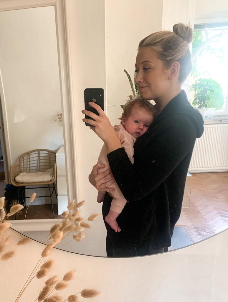 1 månads bebis