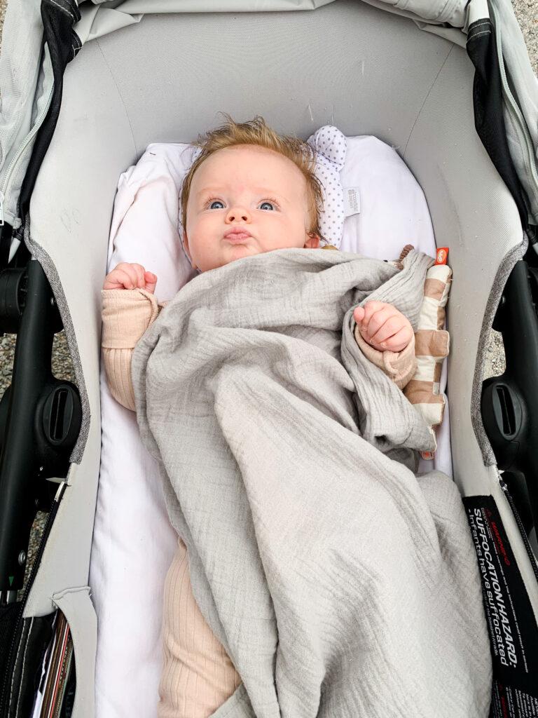 fyra månaders bebis